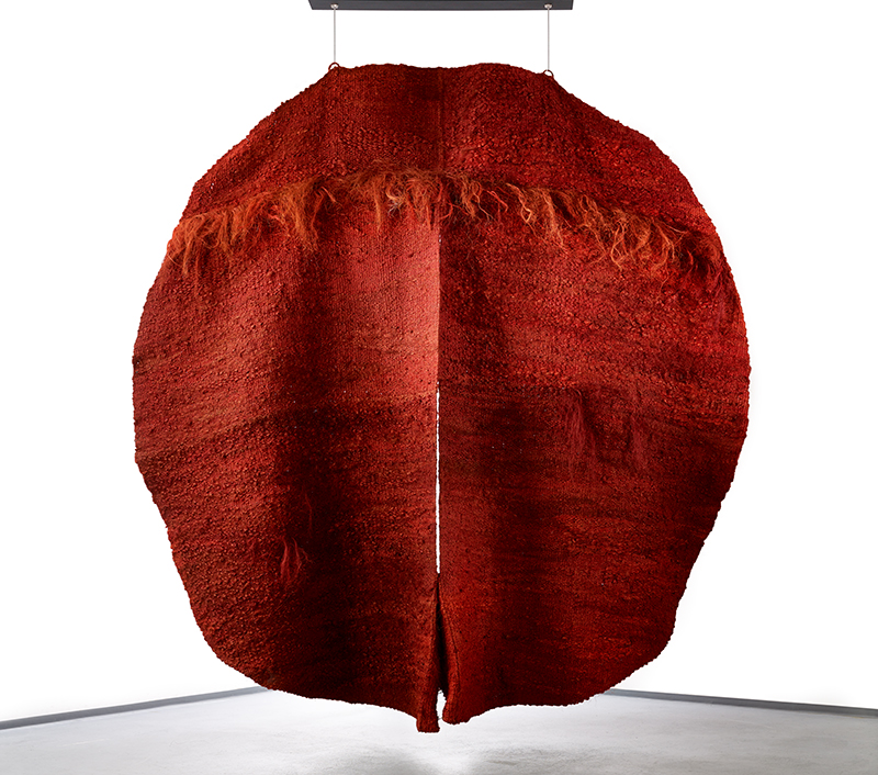 Magdalena Abakanowicz(1930), Poland : Abakan rouge III, 1970 – 1971; 300 x 300 x 45 cm; sisal; collection & photo: Fondation Toms Pauli, Lausanne