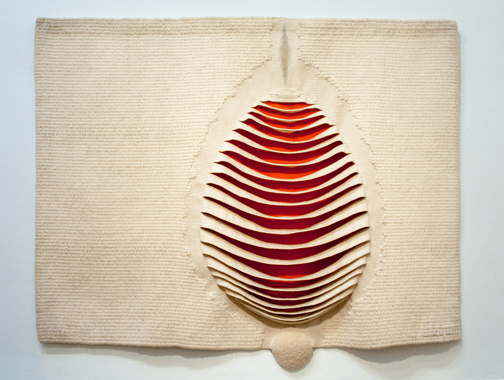 Pierre Daquin (1936), France: Devenant, 1968, 195 x 120 cm; wool, gold thread; collection Fondation Toms Pauli, Lausanne; photo Beatrijs Sterk