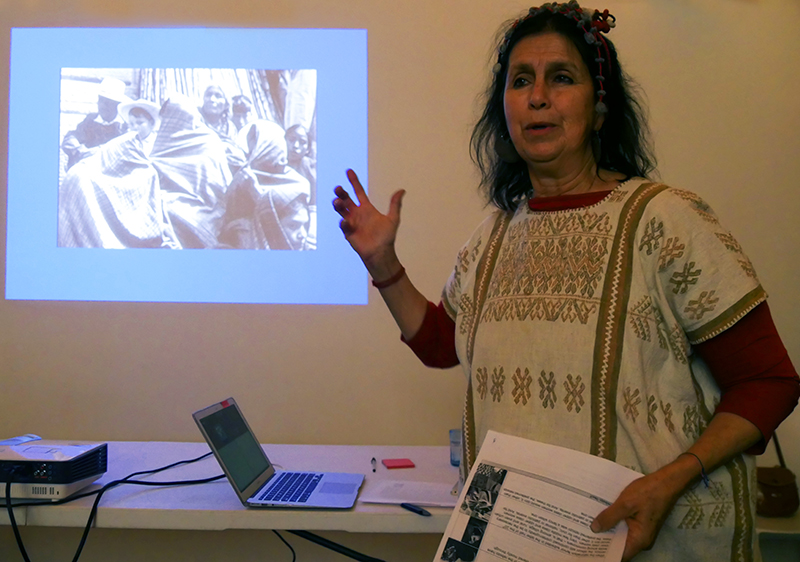 Yosi Anaya lectured on the rebozo in contemporary Mexican art and its role in establishing identity.
