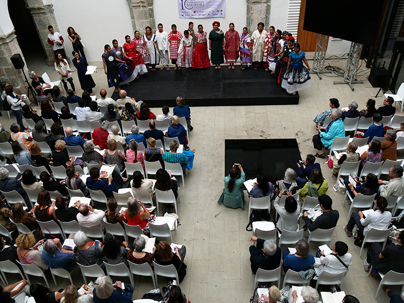 Impression from the opening ceremony of the 10th International Shibori Symposium in the lecture hall of the Centro Cultural San Pedro, next to the Textile Museum of Oaxaca