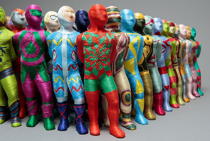 June Lee /KOR: Bystander (detail), each figure 24x5x4cm; cotton on clay
